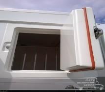Пластиковая термодверь мороженовозки, изготовлено в ООО «Автомеханический завод»